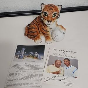 """Boehm Porcelain """"Tiger On The 18th Hole"""" figure #S"""